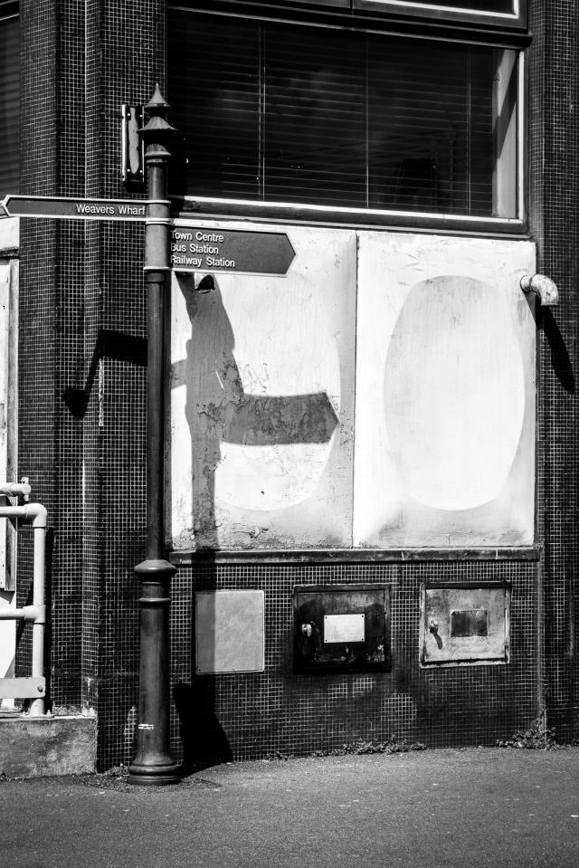 Signpost  shadow