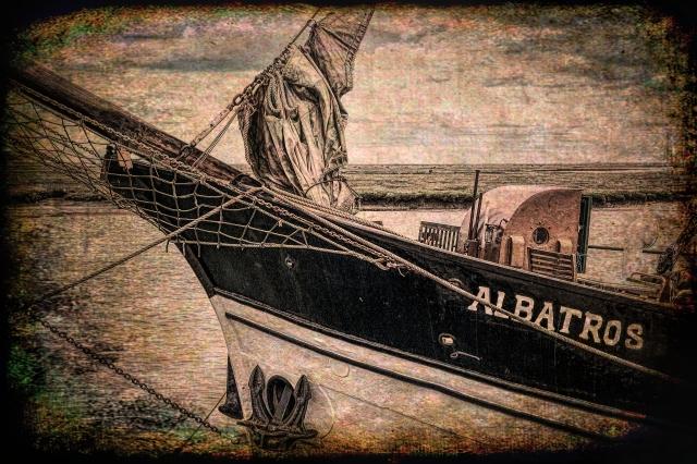 vintage-style boat, Abatros