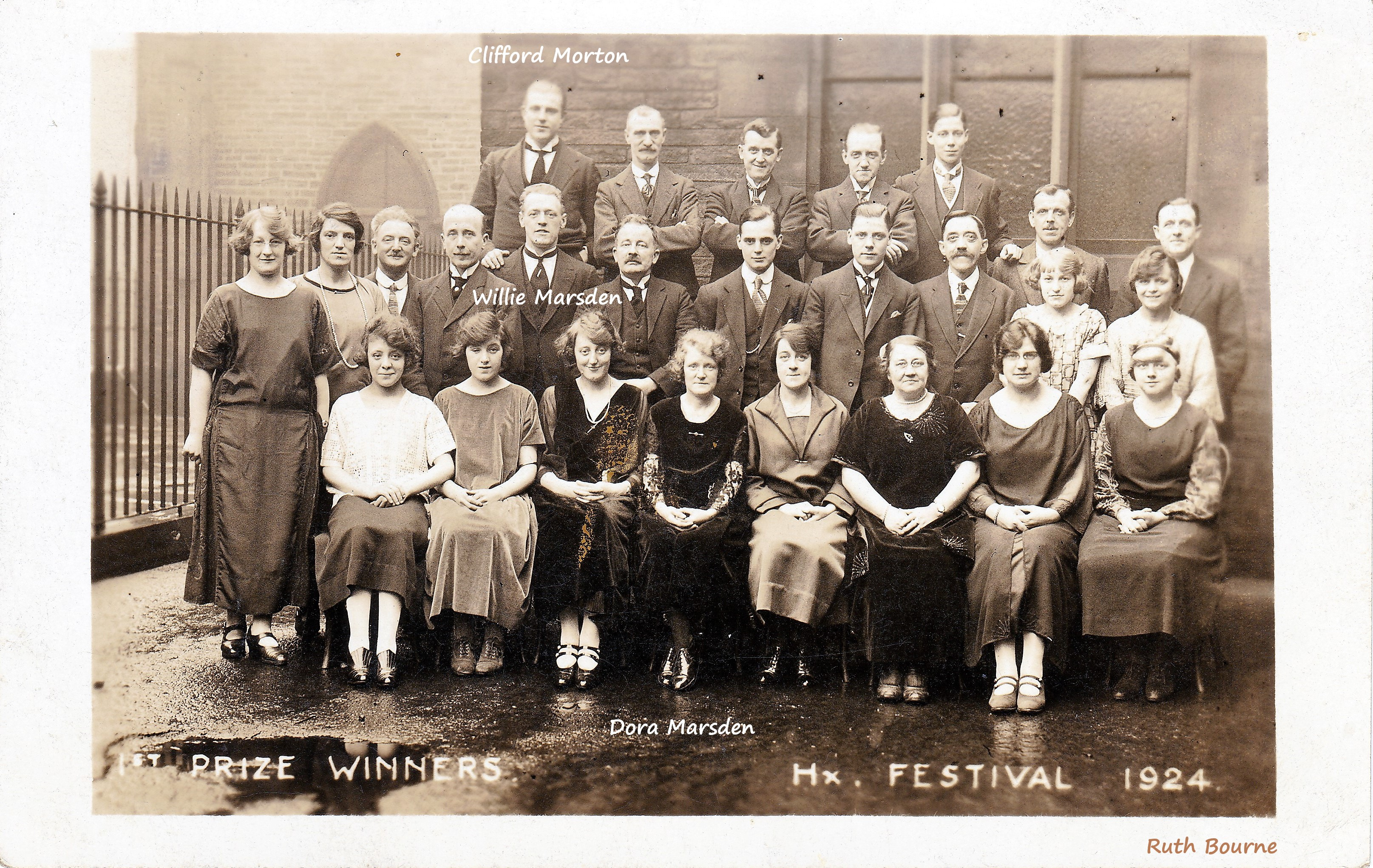 Group picture of Wesley Chapel Choir 1924.